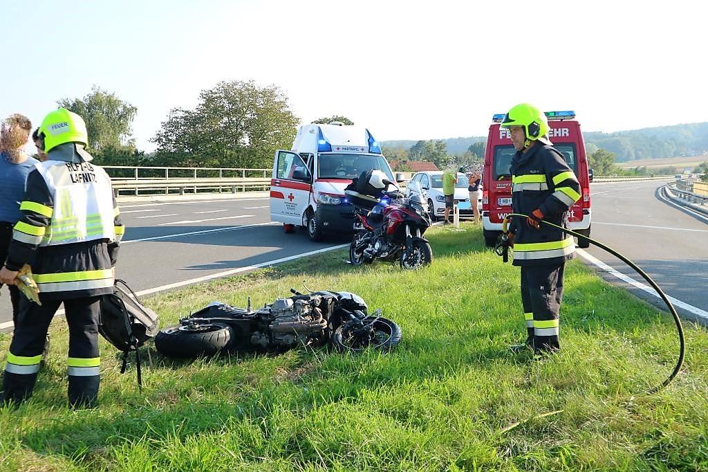 Motorradunfall mit verletzter Person